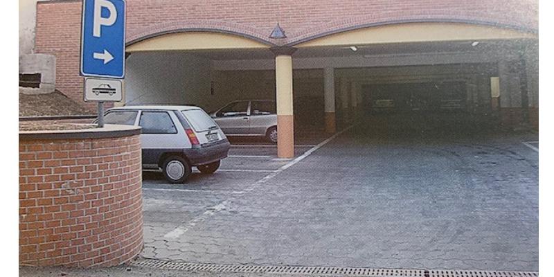 Marco Arezio - Consulente materie plastiche - Pavimentazioni per parcheggi