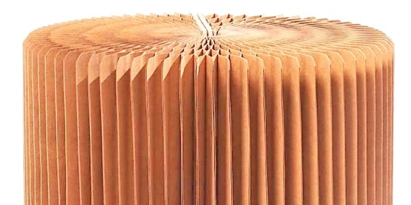 Marco Arezio - Consulente materie plastiche -  Tavolo in cartone riciclato 3