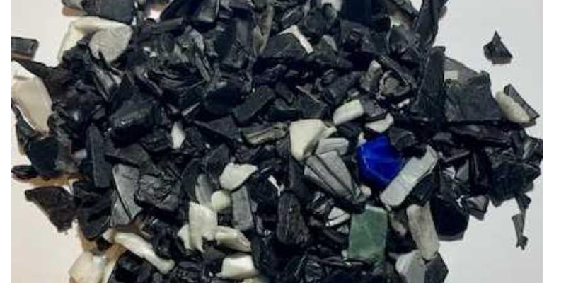 Marco Arezio - Consulente materie plastiche - Macinato in PP da Batterie, con Doppio Lavaggio