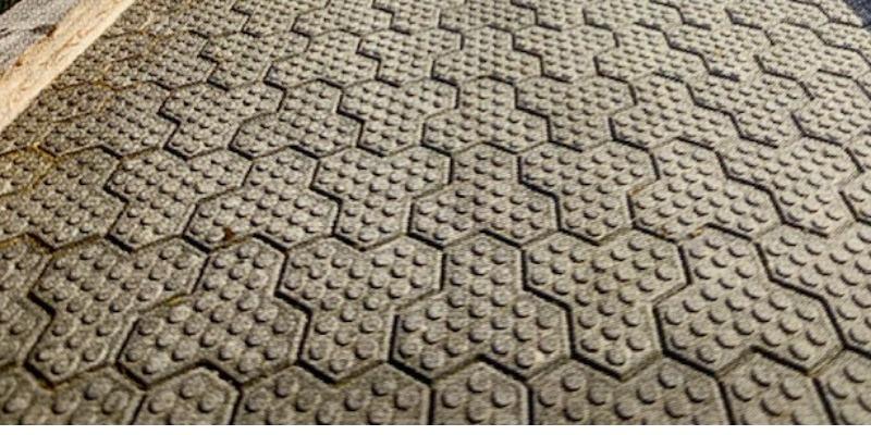 Marco Arezio - Consulente materie plastiche - Massello in PVC riciclato per pavimenti, piazzali e strade