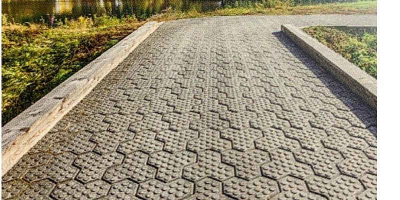 Marco Arezio - Consulente materie plastiche - Strada realizzata con il massello in PVC riciclato