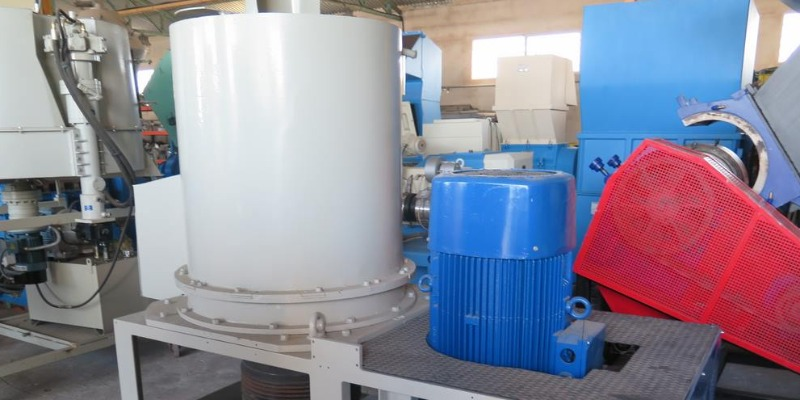 https://www.arezio.it/ - rMIX: FBM agglomerator for recycled plastic