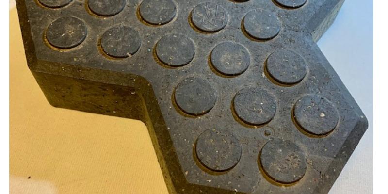 Marco Arezio - Consulente materie plastiche - Embossed surface