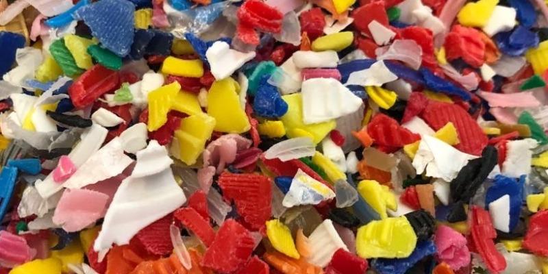 Marco Arezio - Consulente materie plastiche - Ground in recycled plastic