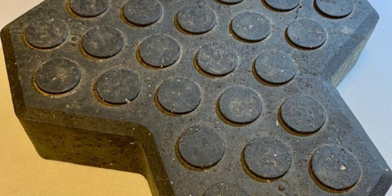 Marco Arezio - Consulente materie plastiche - Massello in PVC riciclato per pavimenti e strade