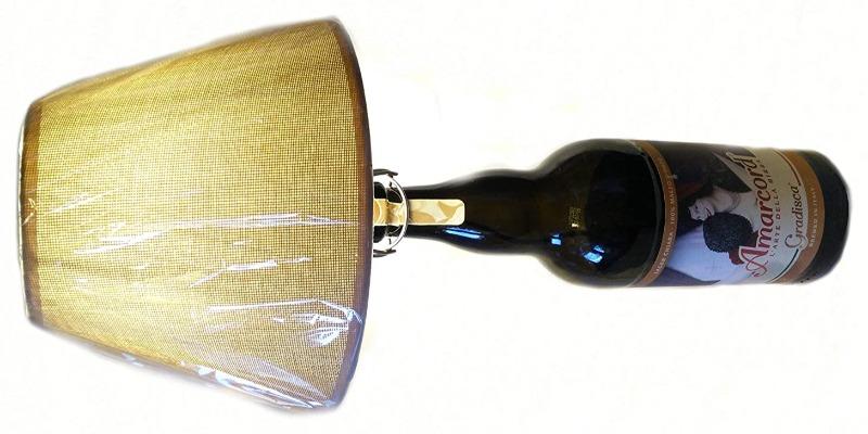 Marco Arezio - Consulente materie plastiche -  Lampada in una bottiglia riciclata di birra da 2 litri orizzontale
