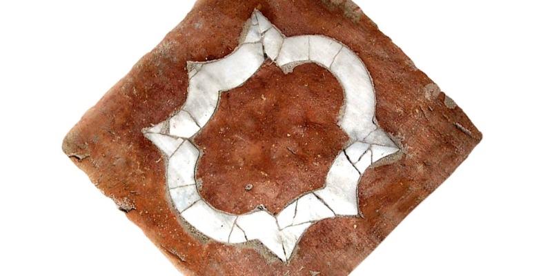 Marco Arezio - Consulente materie plastiche - Mattonelle in cotto Riciclato ed inserti di marmo di Carrara 3
