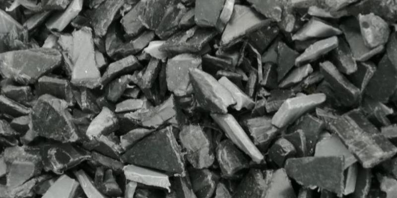 Marco Arezio - Consulente materie plastiche - Macinato in polipropilene da tappi delle batterie