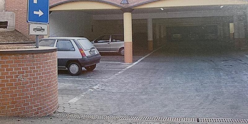 Marco Arezio - Consulente materie plastiche - Parcheggi con masselli in PVC riciclato