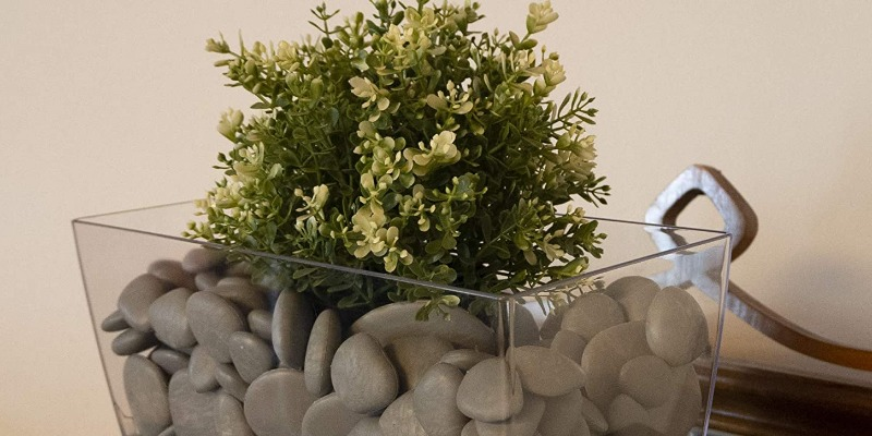 Marco Arezio - Consulente materie plastiche - vaso con sassi riciclati grigi